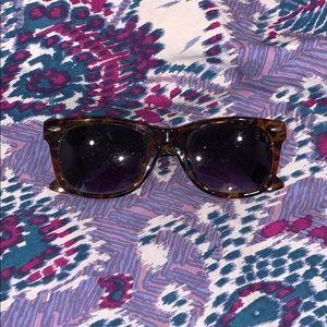 Free People tortoiseshell sunglasses